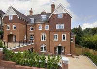 6 bedroom semi detached property in Boyne Park...