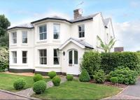 5 bedroom Detached home in Henwood Green Road...