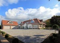 5 bedroom Detached property in Heathfield Road...