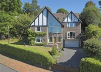 7 bed Detached house in Warwick Park...