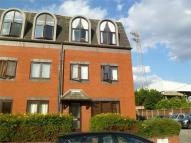 Flat to rent in 81 Brook Road South...