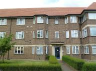 Flat for sale in Parkland Court...