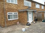 Maisonette to rent in Boundaries Road, Feltham...