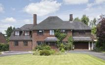 6 bedroom Detached home in Goodwood...