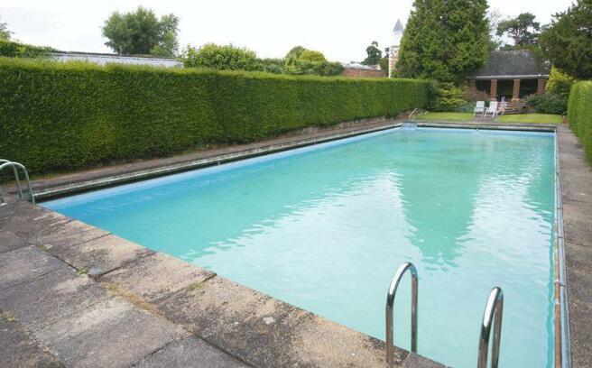 Communal Swimm...