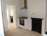 Flat to rent in Welbeck Road, Barnet