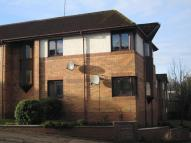 2 bed Flat in The Paddock, Clarkston...