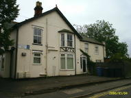 Flat to rent in Cauldwell Hall Road...