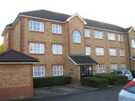 2 bedroom Flat in Shiplake Lodge...