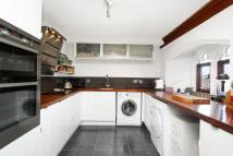 3 bedroom house in Mayfield Road...