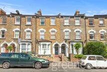 2 bedroom Flat in Florence Road, London, N4