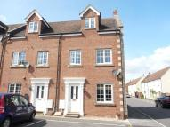 End of Terrace house to rent in Cerne Avenue, Gillingham...
