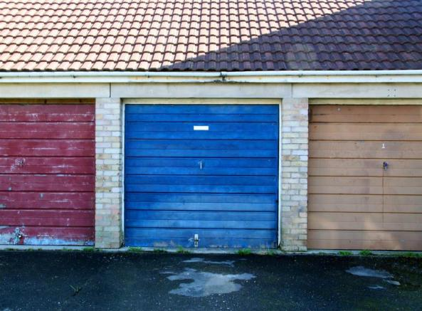Tiverton Gardens Garage.jpg