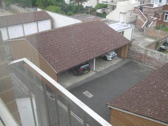 Car Port - Image 1