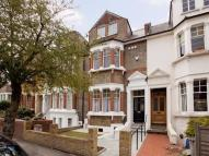 Terraced home in Cranwich Road, LONDON