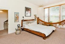 Flat for sale in Alkham Road...