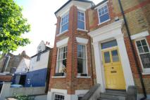 Flat in Lynmouth Road, N16
