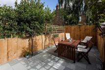 2 bed Flat for sale in Heysham Road, London