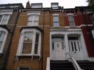 Ground Flat to rent in Alkham Road...