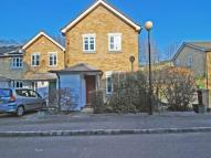 3 bed Detached property to rent in Royal Close, London