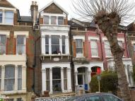 1 bedroom Flat in Dunsmure Road...