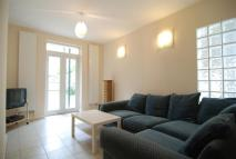 3 bed Maisonette in Brooke Road...