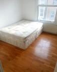 2 bedroom Flat in Victoria Park Road...