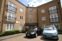 2 bedroom Flat to rent in Buxhall Crescent, London...