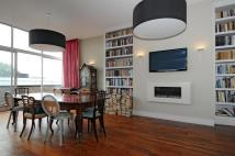 Flat for sale in Waverley Court...