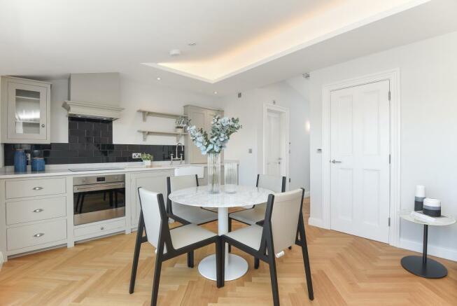 Kitchen/Dining Area