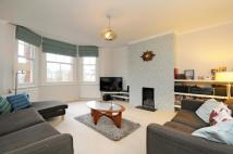 2 bed Flat for sale in Brambledown Mansions...