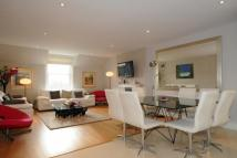 4 bed Flat in Shepherds Hill...