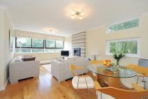Flat for sale in Copper Beech...