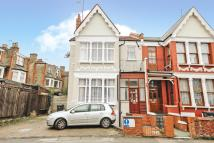 4 bed semi detached property for sale in Rosebery Garden...