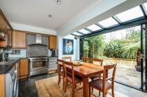 4 bedroom house in Ridgeway Gardens...