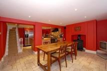 4 bed Terraced property in New End Square...