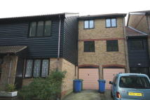 Flat to rent in Wickham Close