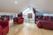 4 bed Apartment in Sutherland Avenue...