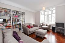 Apartment to rent in Grove End Gardens...