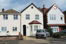 3 bedroom semi detached house in Thornhill Road, Surbiton...