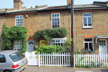 2 bed Terraced home in Queens Road...