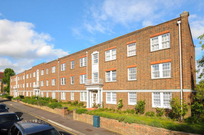 2 Bedroom Flat To Rent In Home Park Walk Kingston Upon Thames
