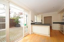 3 bed semi detached house in Abbotsbury Close, W14