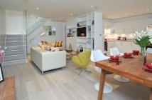 Mews to rent in Smallbrook Mews, W2