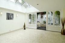 4 bedroom Terraced property to rent in Peel Street, W8