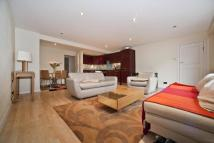 Apartment to rent in Palace Court, W2