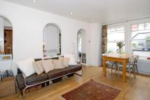Apartment to rent in Bisham Gardens, London