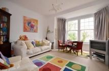 Apartment to rent in Princes Avenue, London
