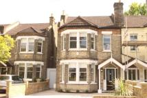 4 bed home in Queensmead Road, Bromley
