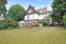 Flat for sale in Park Hill, Bromley